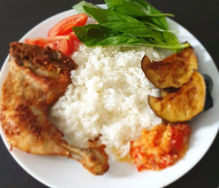 Nasi-nasi campur khas nusantara